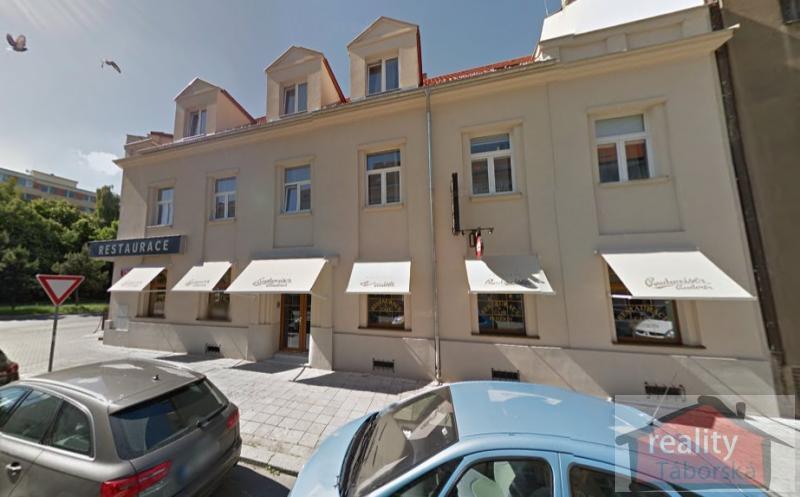 Komerční objekt - ubytování a restaurace na lukrativním místě, Praha 4