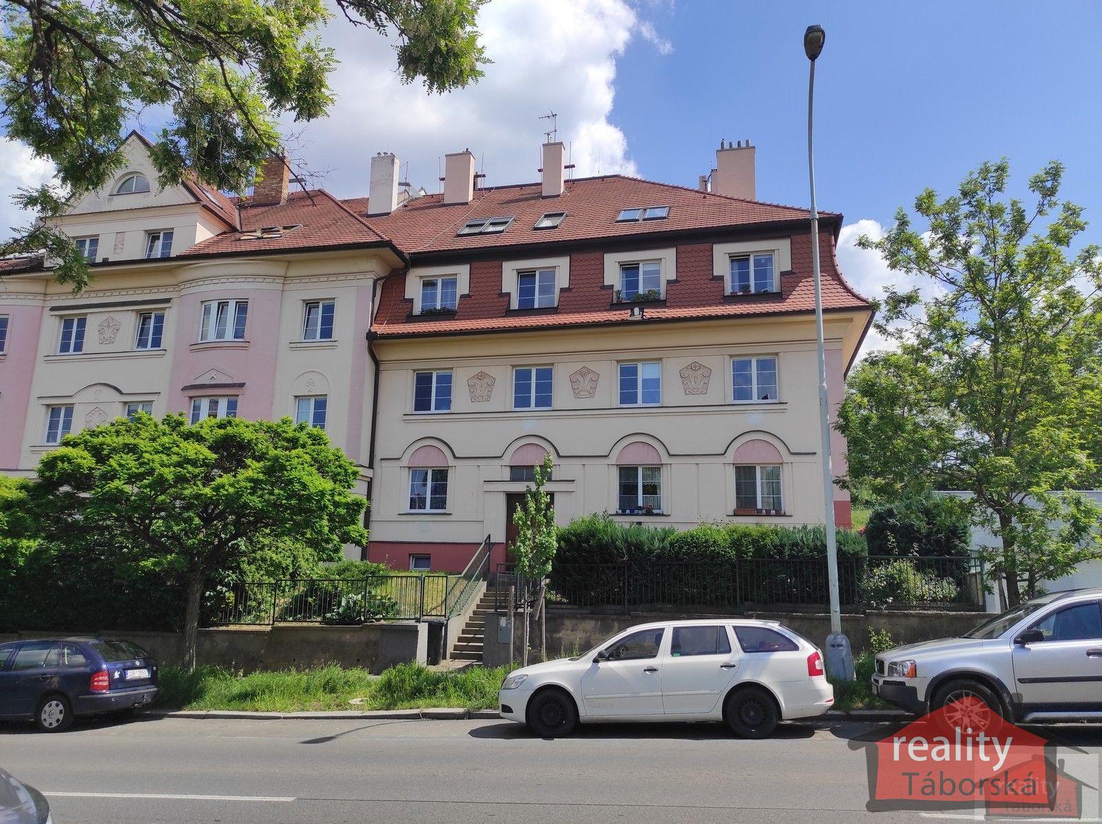 Velmi pěkný mezonetový byt 4+kk, 2x terasa, Praha 5, Smíchov