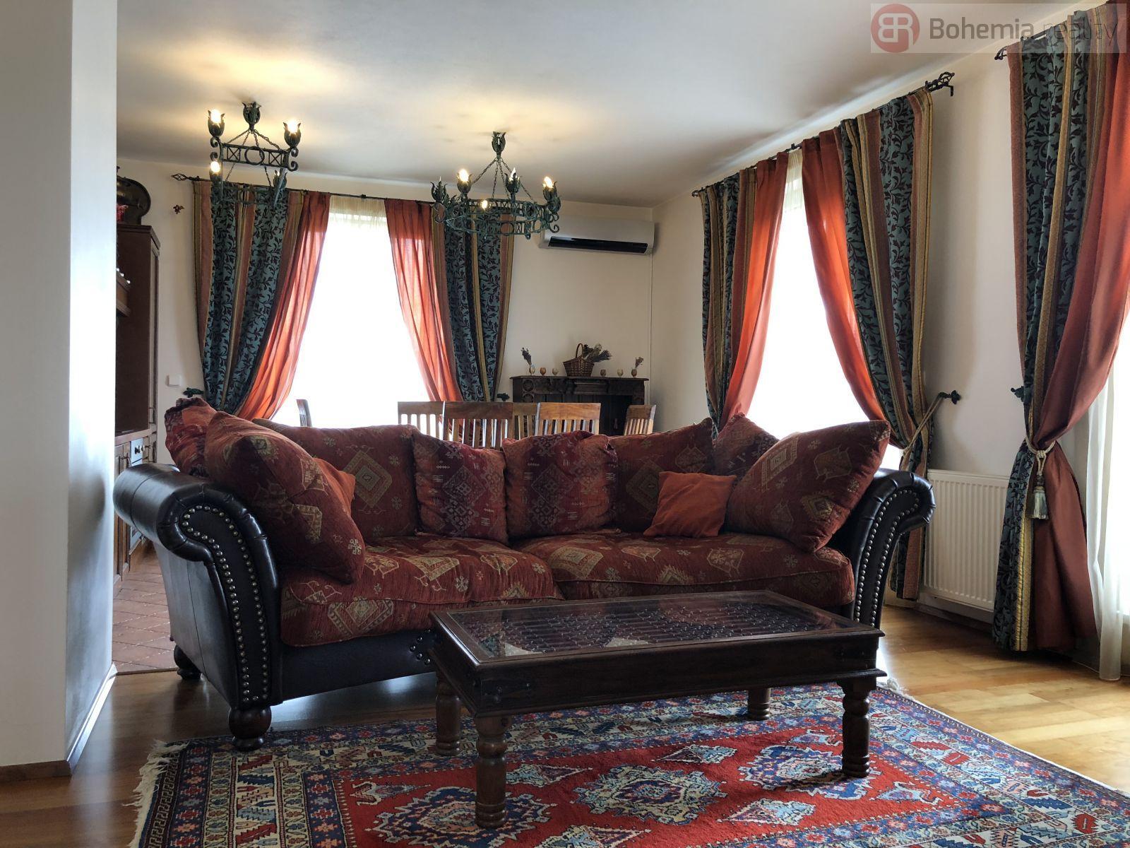 Pronájem kompletně zařízeného bytu o rozloze 60 m2 + terasa 60 m2, Praha 10 - Pitkovice