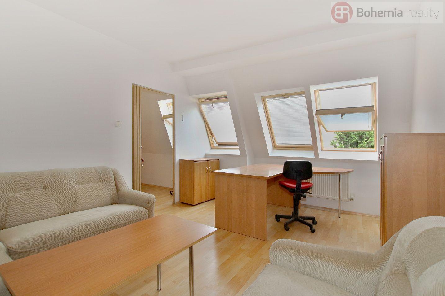 Pronájem kanceláře 60 m2, Praha 8 - Libeň