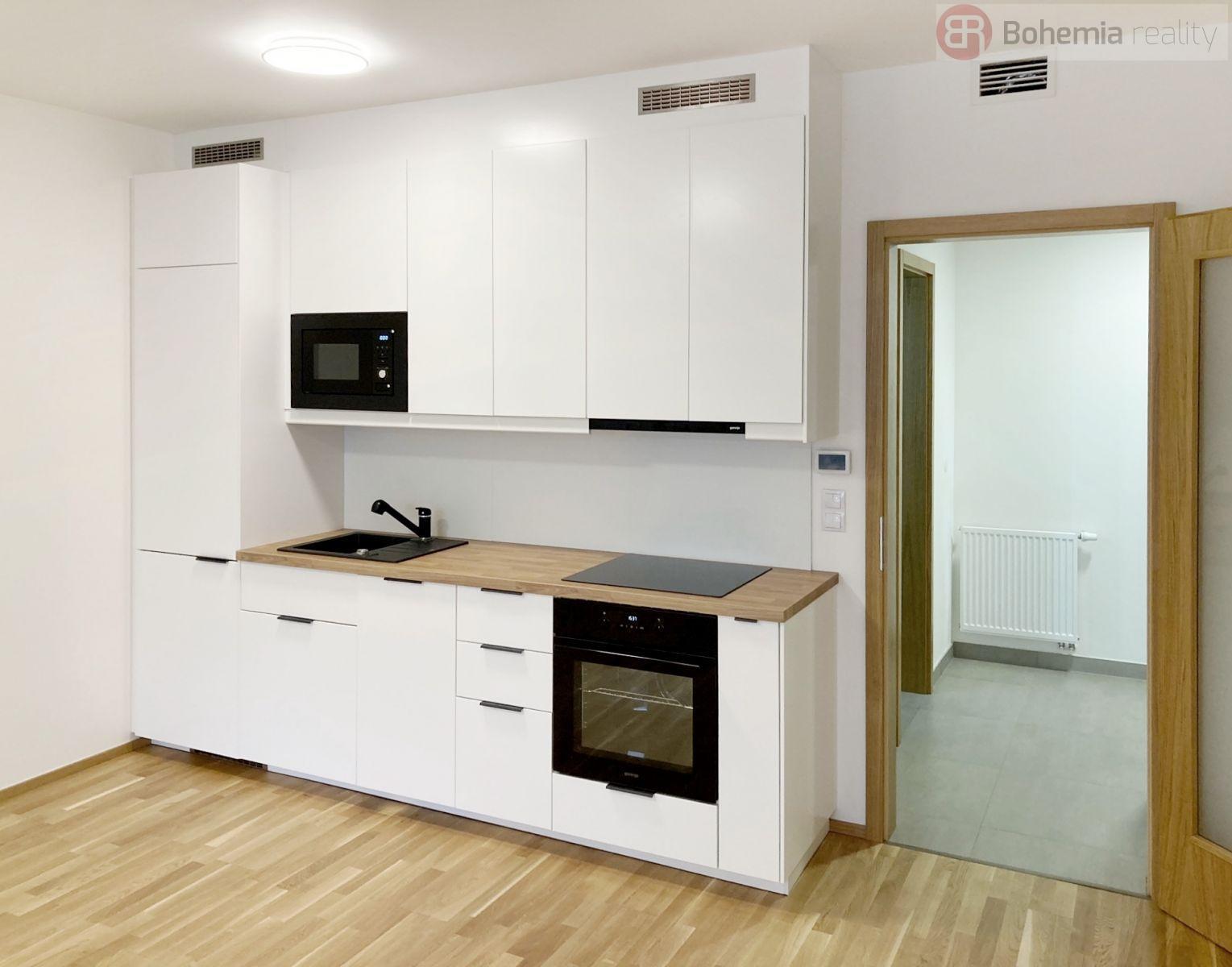 Pronájem nového, částečně zařízeného bytu v novostavbě, 1+kk/L, 52m2, Praha 7 Holešovice.