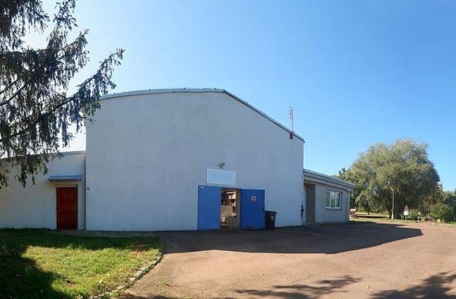 Nájem skladů 405 m2,  kanceláře, chodby 120 m2 + zázemí, Praha 5