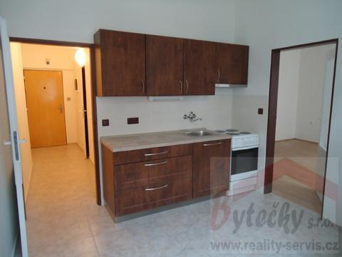 Pronájem nezaříz. bytu 1+1, 48 m2, Praha 4, Marie Cibulkové, metro Vyšehrad 10 min.