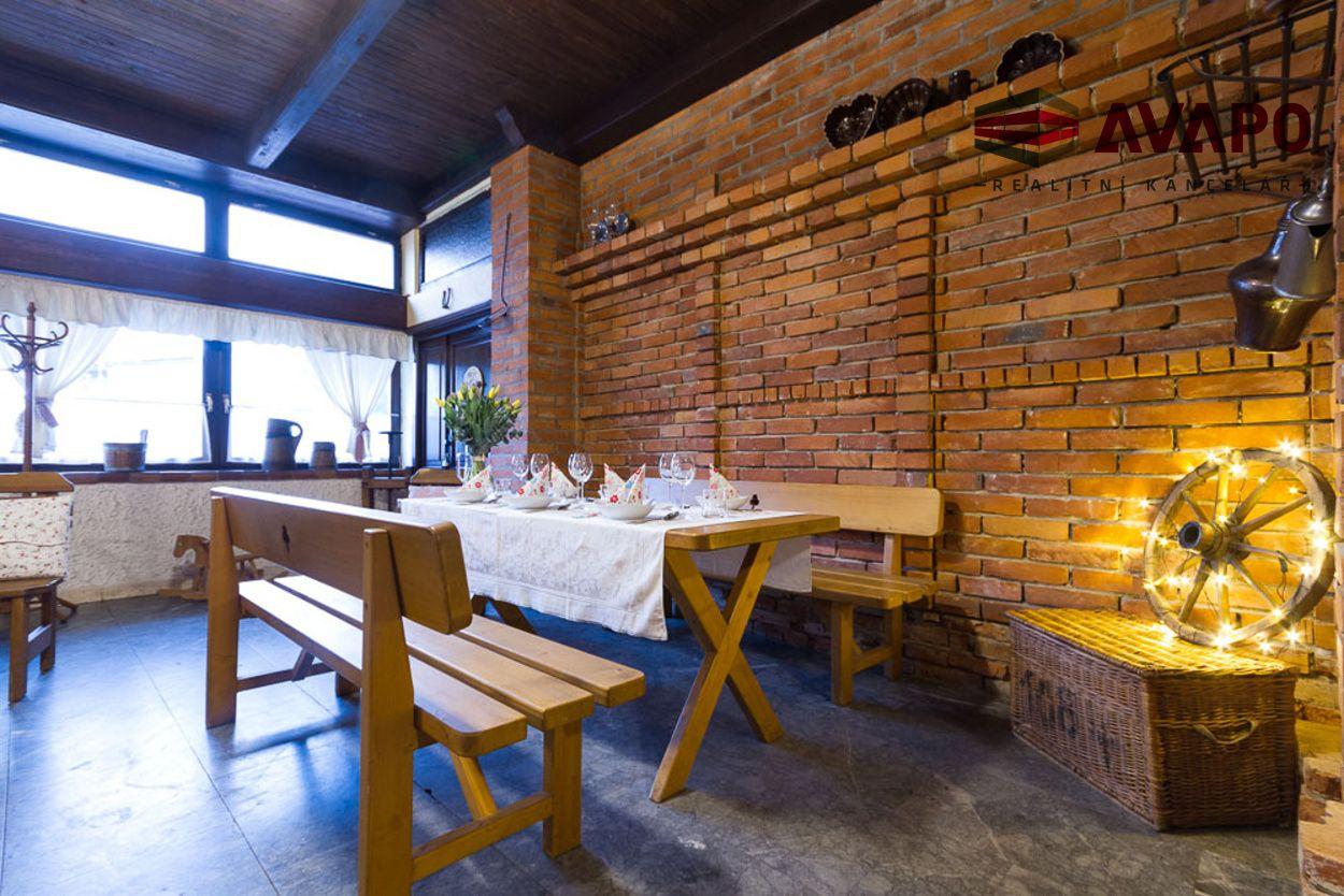 Pronájem zavedené restaurace, Raduň