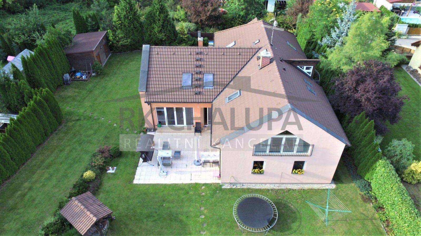 Prodej nadstandardního rodinného domu, 8+1, Šindlovy Dvory, Litvínovice, 2.179 m2, jezírko, pergola