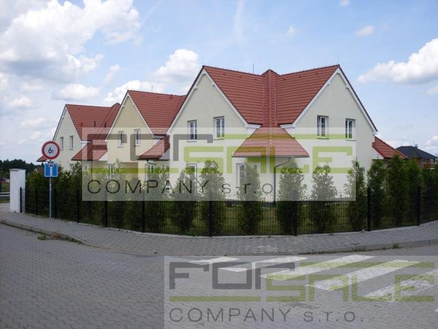 Prodej řadového domu s pozemkem 2 536m2, Osnice