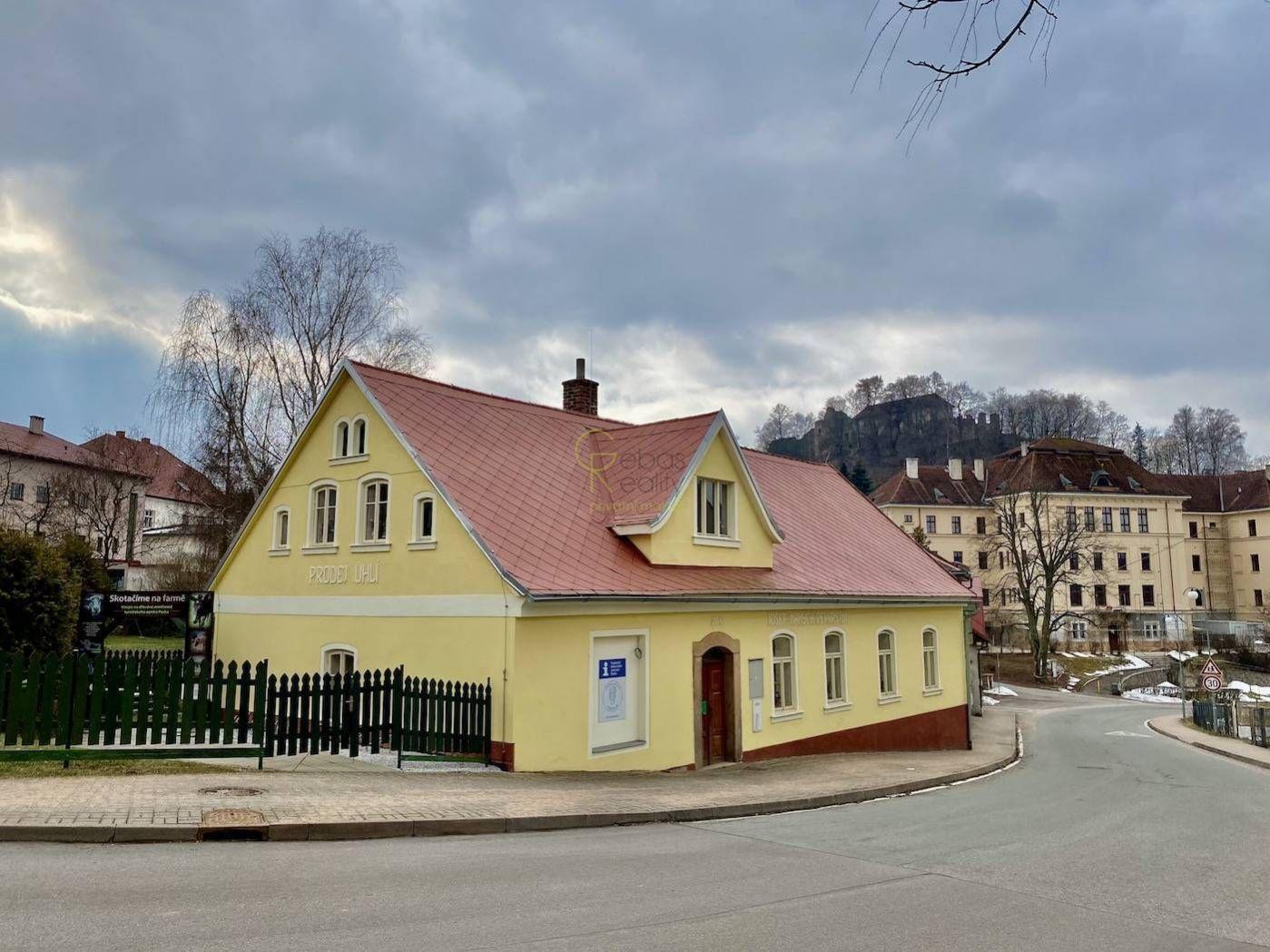 Stavba občanského vybavení - městys Pecka, Podkrkonoší