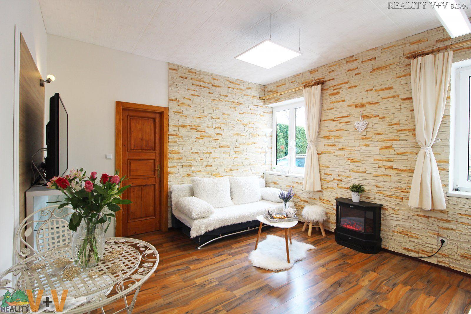 Krásný byt po rekonstrukci, vhodný i jako apartmán - Prodej bytu 2+kk, České Budějovice, Hlinsko