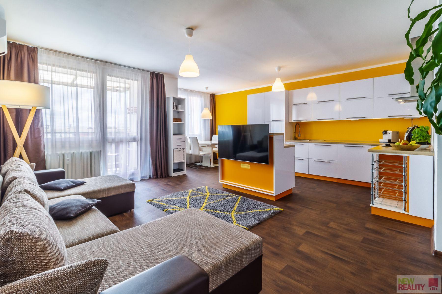 Prodej bytu 3+kk+balkón, 72,30 m2, ulice Mejstříkova, Praha - Háje