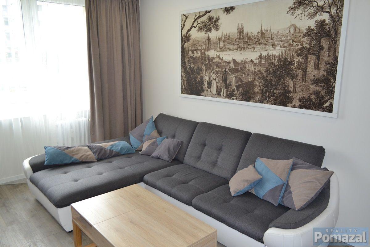 Pronájem bytu 3+kk/B, 67m2, ul. Malkovského, Praha 9