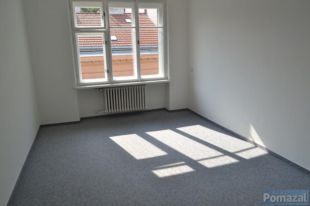 Pronájem bytu 1+kk, 30m2, ul.Černá, Praha 1 - Nové Město