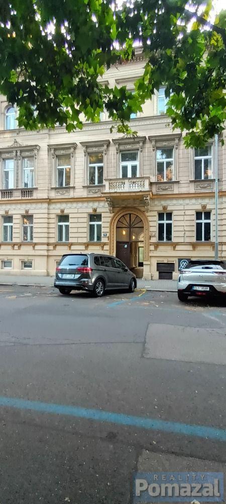 Prostorné kancelářské prostory 160m2, Praha 8 - Karlín