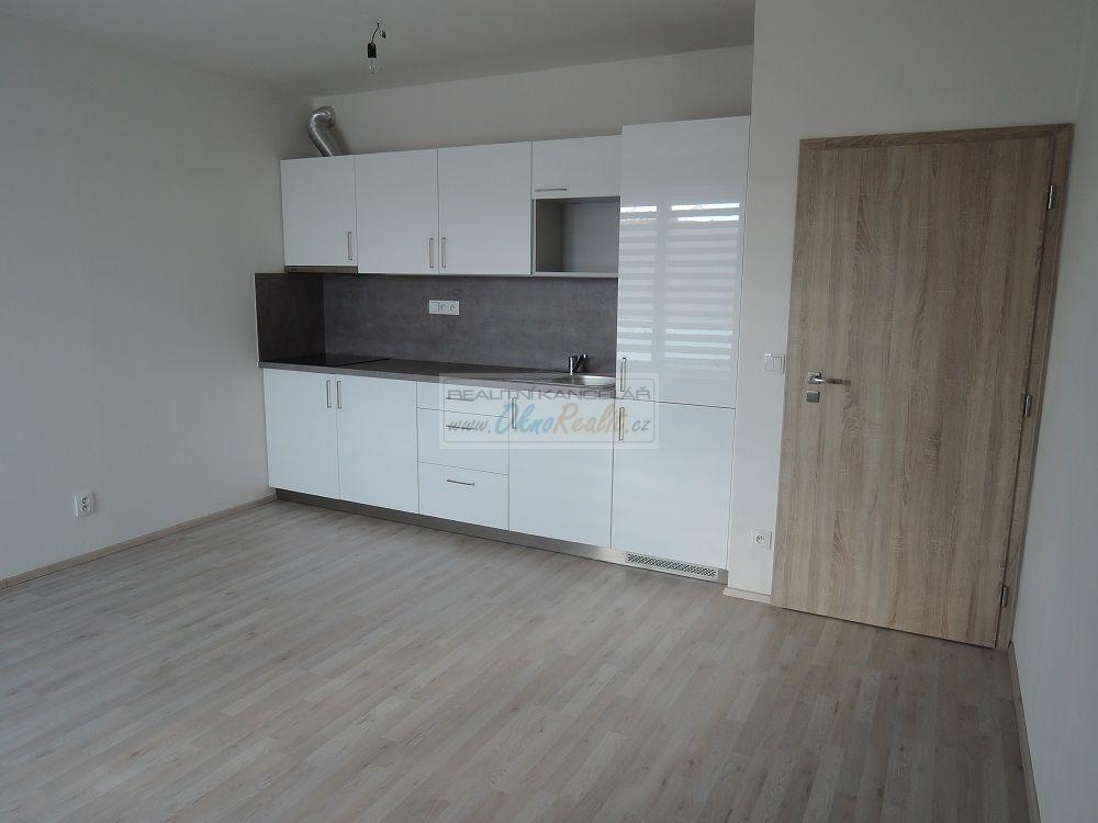Pronájem bytu 2+kk s garážovým stáním na ulici Tilhonova v Brně