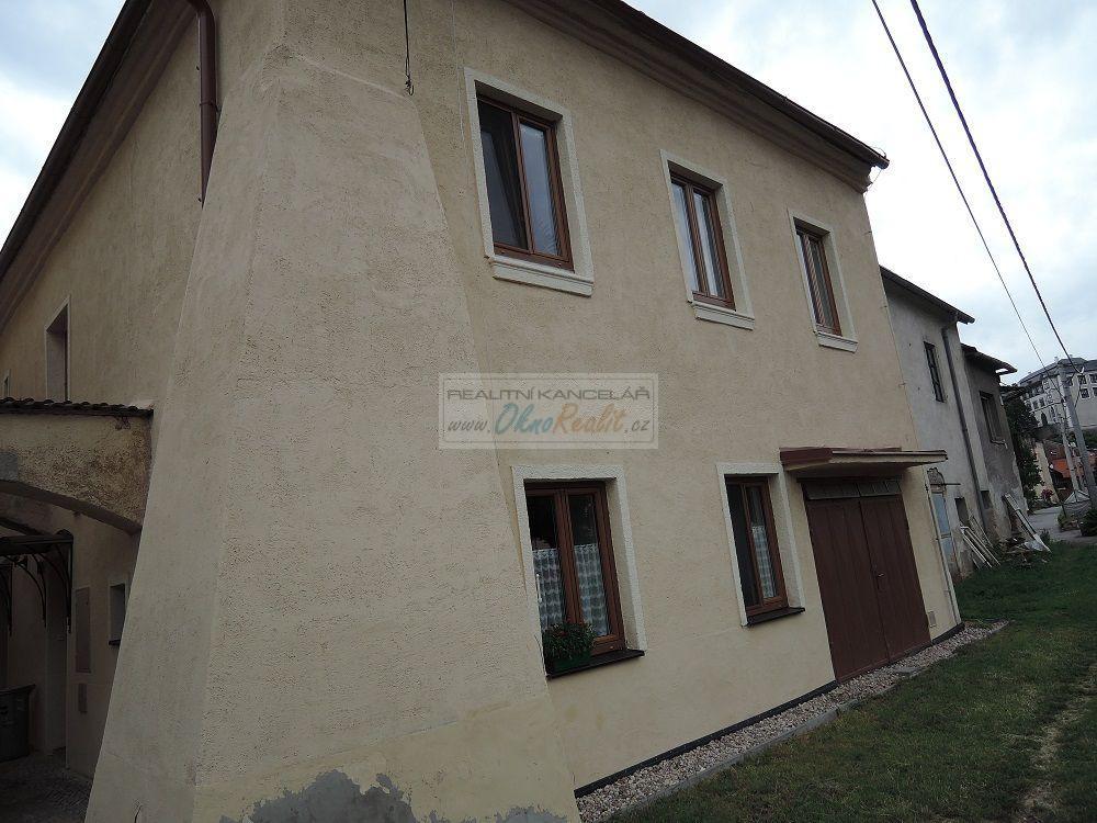 Prodej rodinného domu v centru Velkého Meziříčí - obr.Dům od řeky