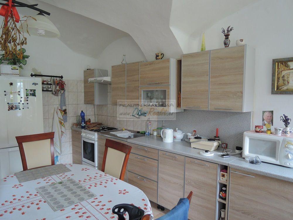 Prodej rodinného domu v centru Velkého Meziříčí - obr.Kuchyňská linka 1+kk
