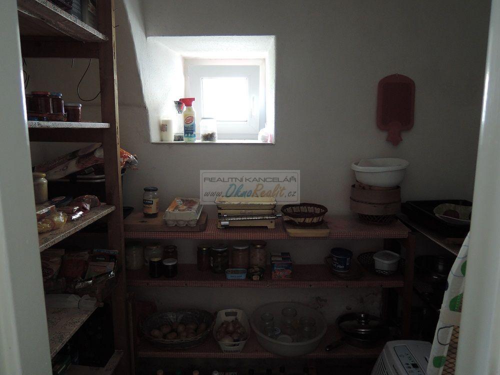 Prodej rodinného domu v centru Velkého Meziříčí - obr.Komora v přízemí