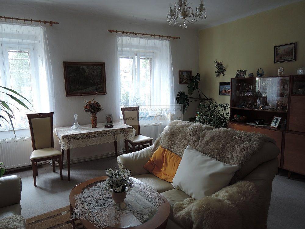 Prodej rodinného domu v centru Velkého Meziříčí - obr.Obývací pokoj 2NP