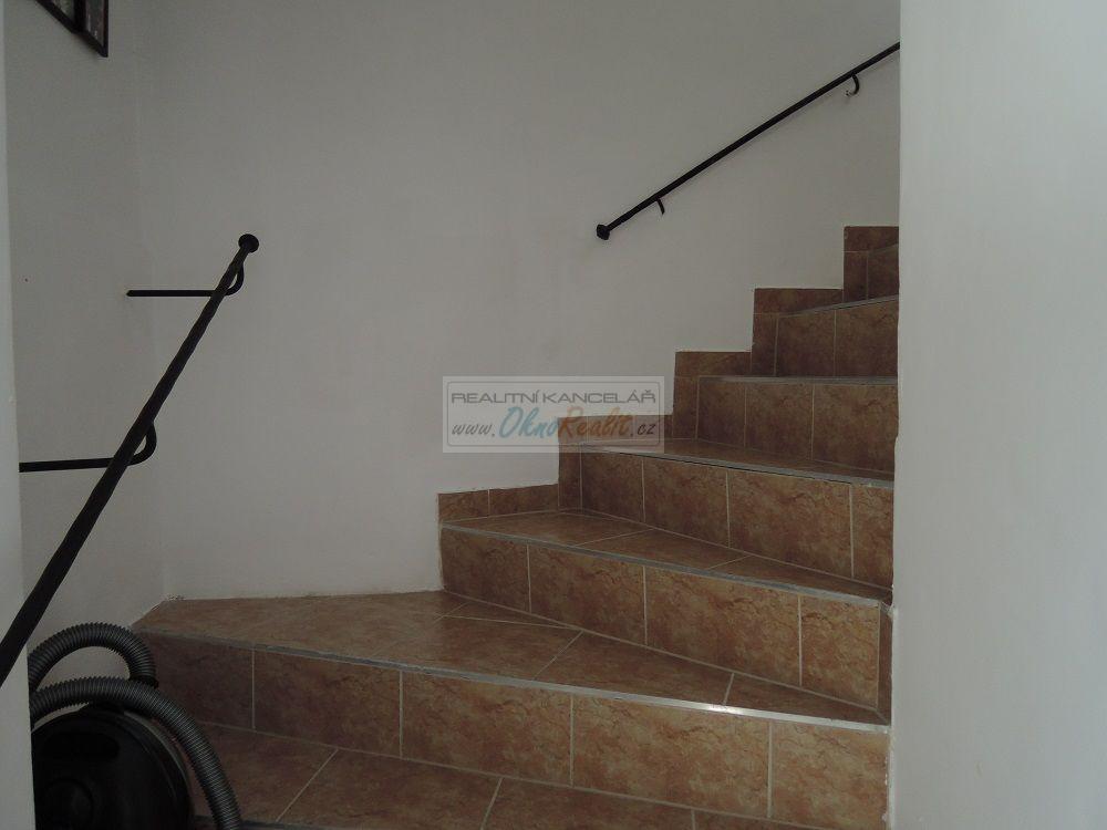 Prodej rodinného domu v centru Velkého Meziříčí - obr.Schodiště