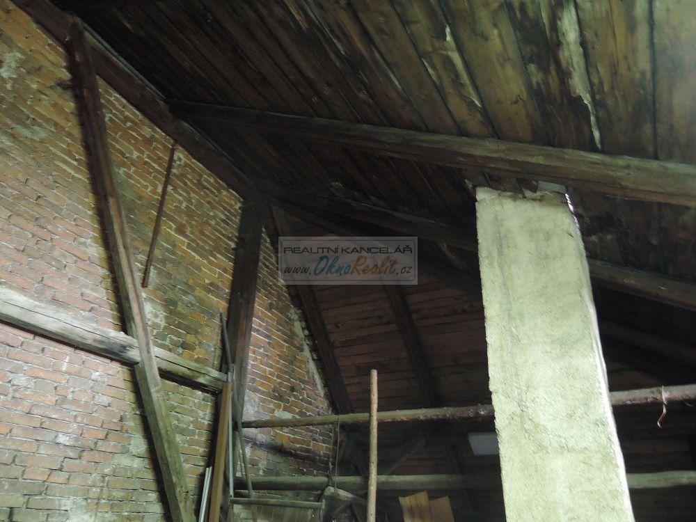 Prodej rodinného domu v centru Velkého Meziříčí - obr.Půda 1