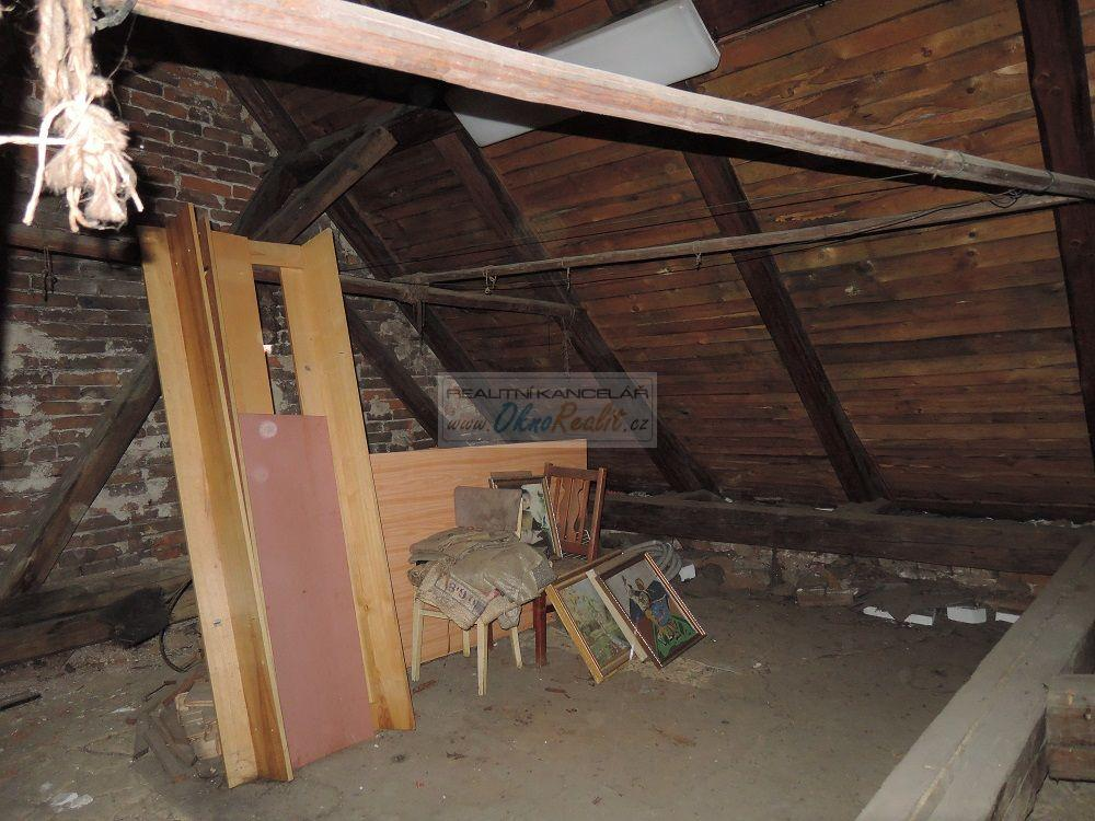 Prodej rodinného domu v centru Velkého Meziříčí - obr.Půda 5