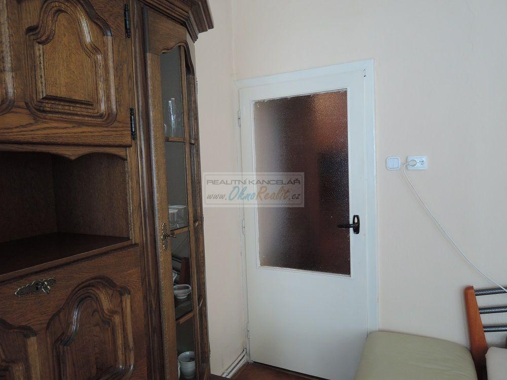 Prodej rodinného domu v centru Velkého Meziříčí - obr.Vstup do dalšího pokoje