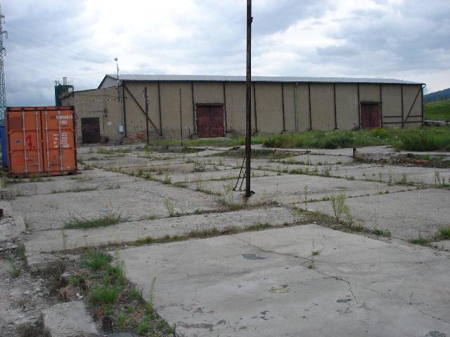 Prodej provozního areálu u dálnice D8