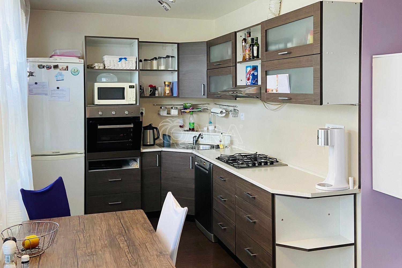 Prodej bytu 3+kk/L, 80 m2, Pardubice, nábřeží Závodu Míru, 8 NP, sklep