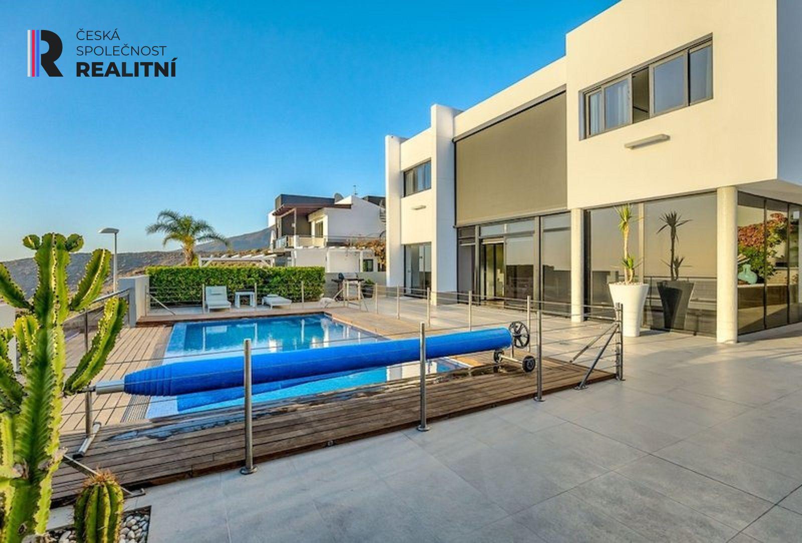 Arona - luxusní vila 5+1, užitná plocha 506 m2