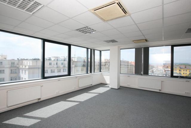 Krásné kanceláře, budova Pražačka