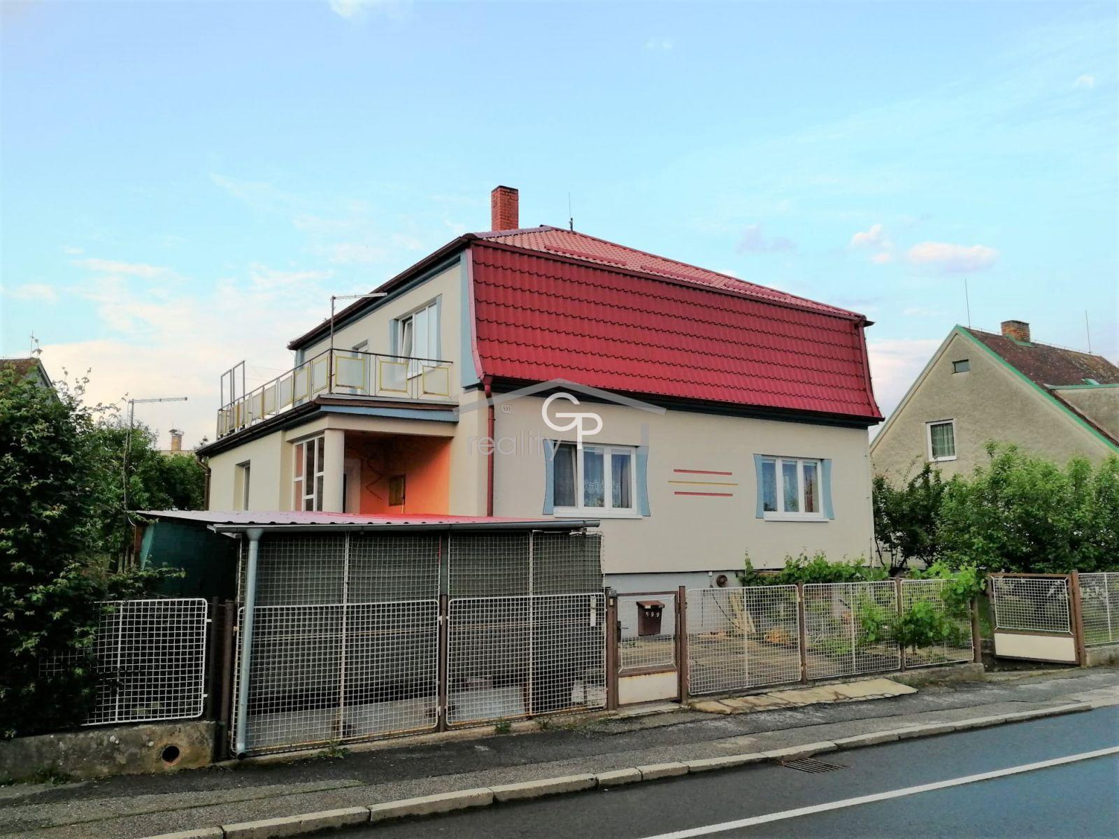 Prodej 1/4 RD se zahradou a garáží v obci Týn nad Vltavou