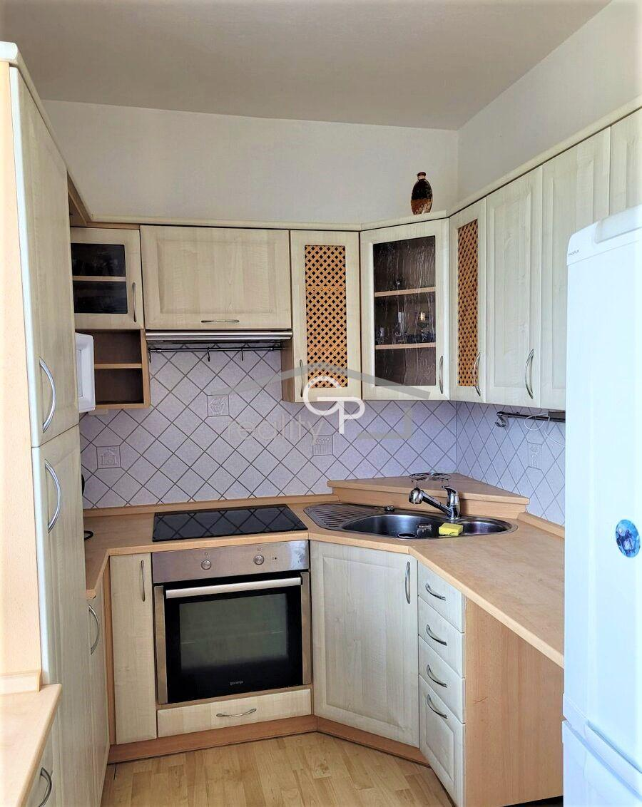 Pronájem bytu 3,5 + 1 s 2 lodžiemi, ul. Dr. Bureše v Českých Budějovicích