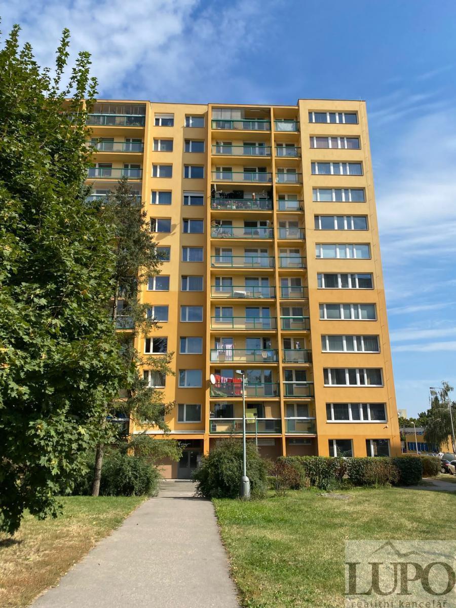 Na prodej slunný a tichý byt 3+1 73m2, OV, 2x balkon, sklep, Praha 4, ul. Modletická.