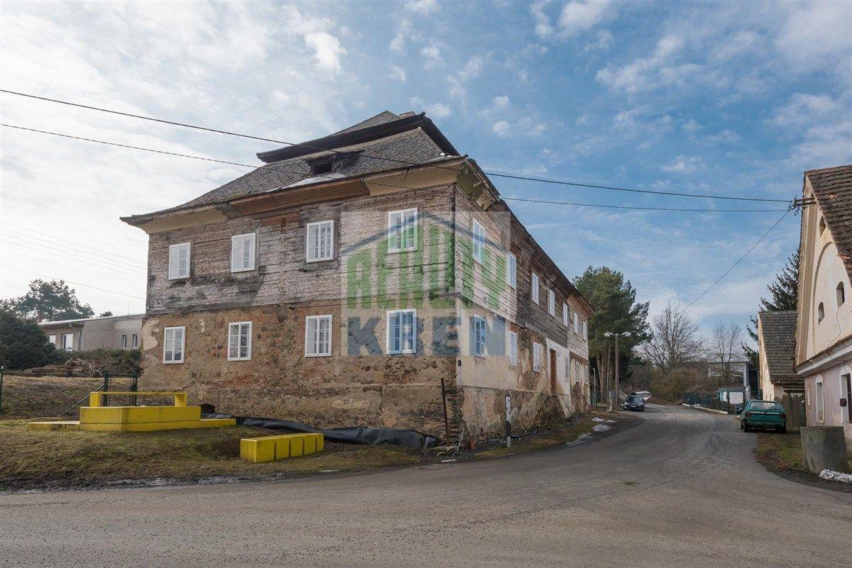 """Prodej historického objektu """"Starý Zámek"""", Chocenice, Plzeň - jih"""