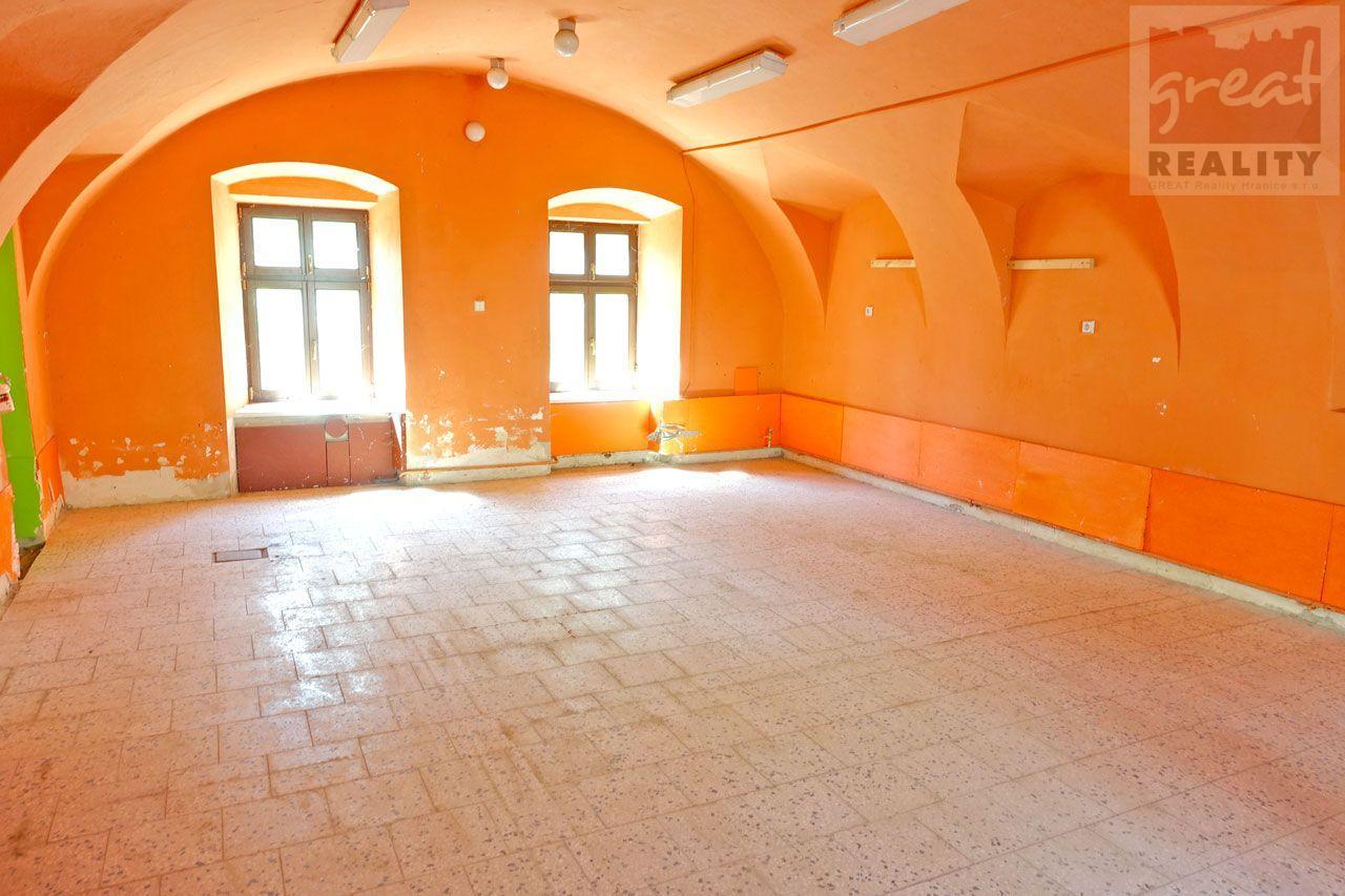Komerční prostory k pronájmu v centru města Hranice