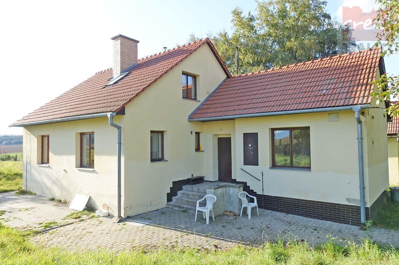 Pronájem domu 4+1 s rozlehlou zahradou v obci Ústí, okres Přerov