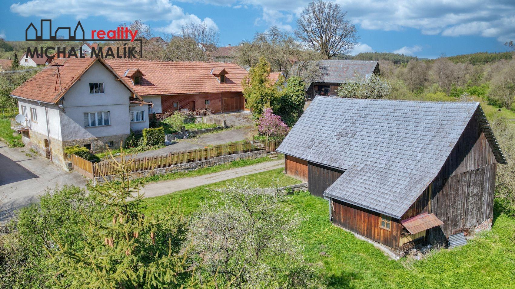 Prodej rodinný dům s pozemky, 10 217 m2, Mirošov, Valašské Klobouky