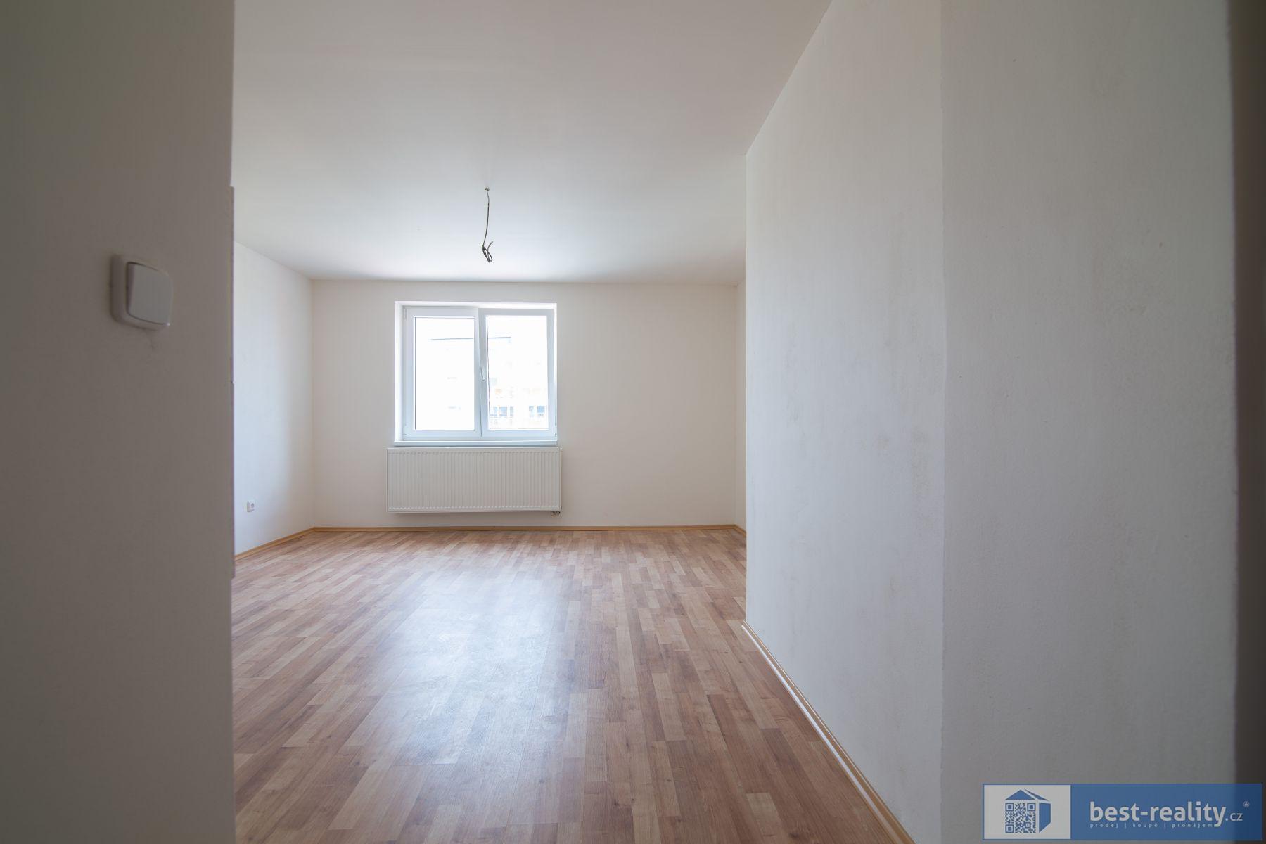 Prodej 2kk v podkroví  zrekonstruovaného domu s parkovacím stáním v centru Kralupy nad Vltavou