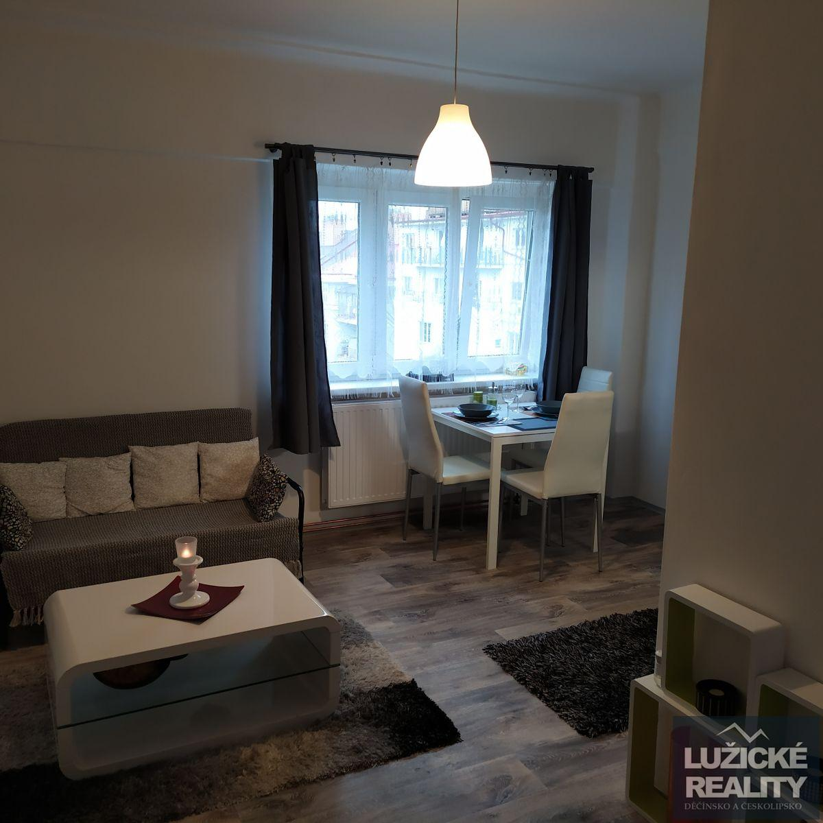 Pronájem bytu 2+kk, 51 m2 ulice Viklefova