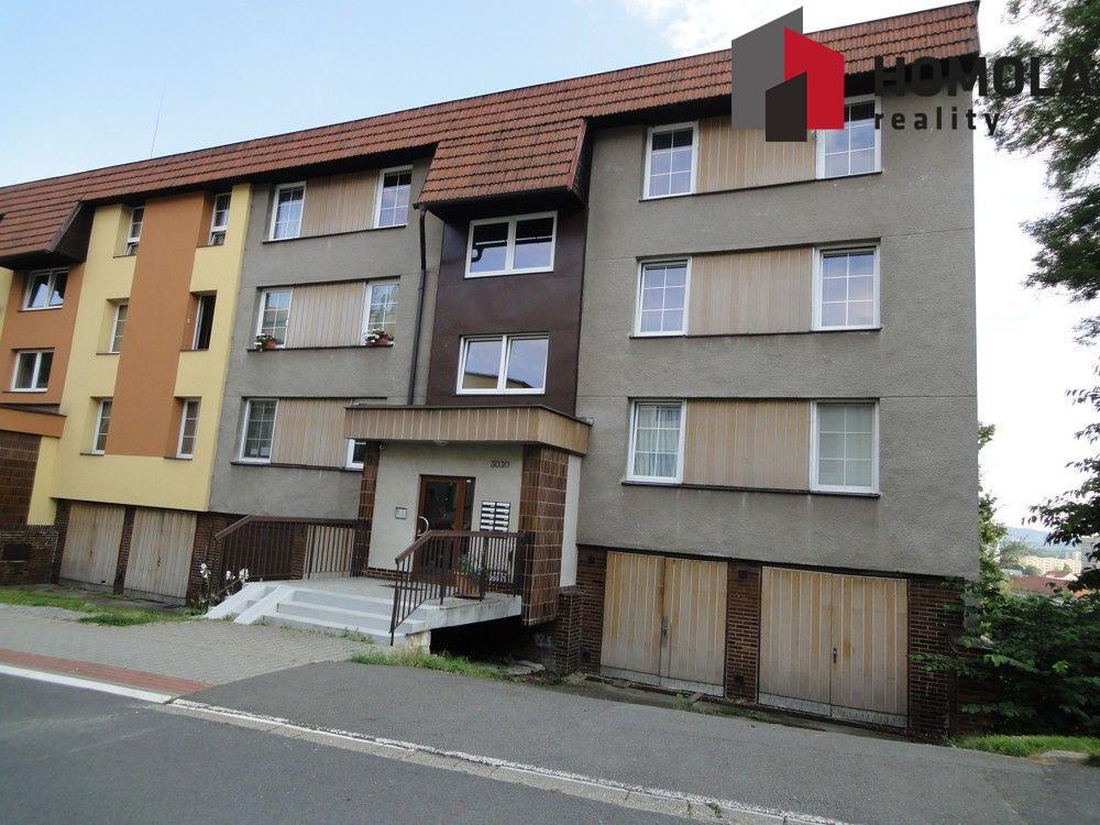 Byt 4+1, 100 m2,  s lodžií a garáží