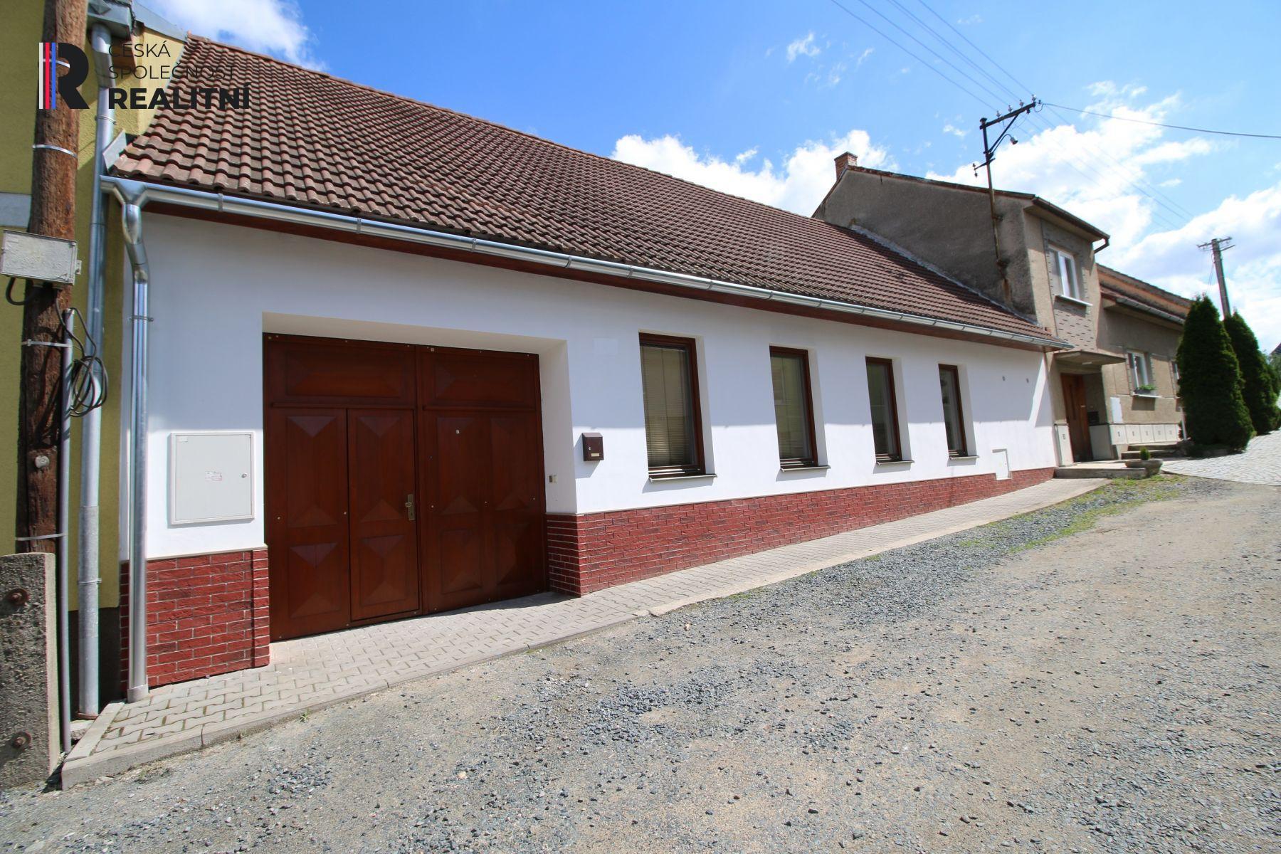 Prodej rodinného domu 4 kk , 152m2 + dvůr, garáže, dílny 190m2 + zahrada 1123m2