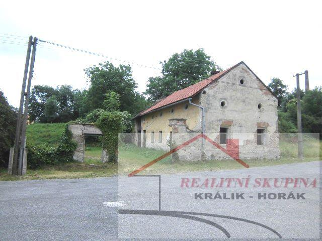 Prodej bývalého statku se stodolou v obci Neškaredice, 3km od Kutné Hory