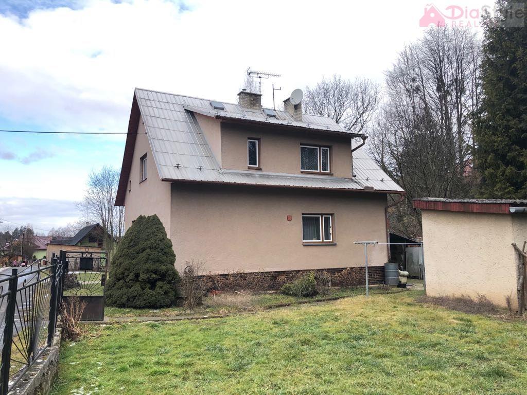 Prodej rodinného domu 192m2, pozemek 972m2