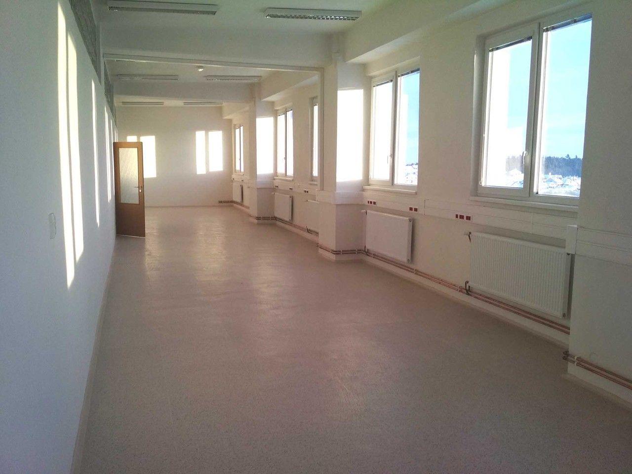 Pronájem kancelářských, administrativních a výrobních prostor v Jihlavě na Znojemské ulici.