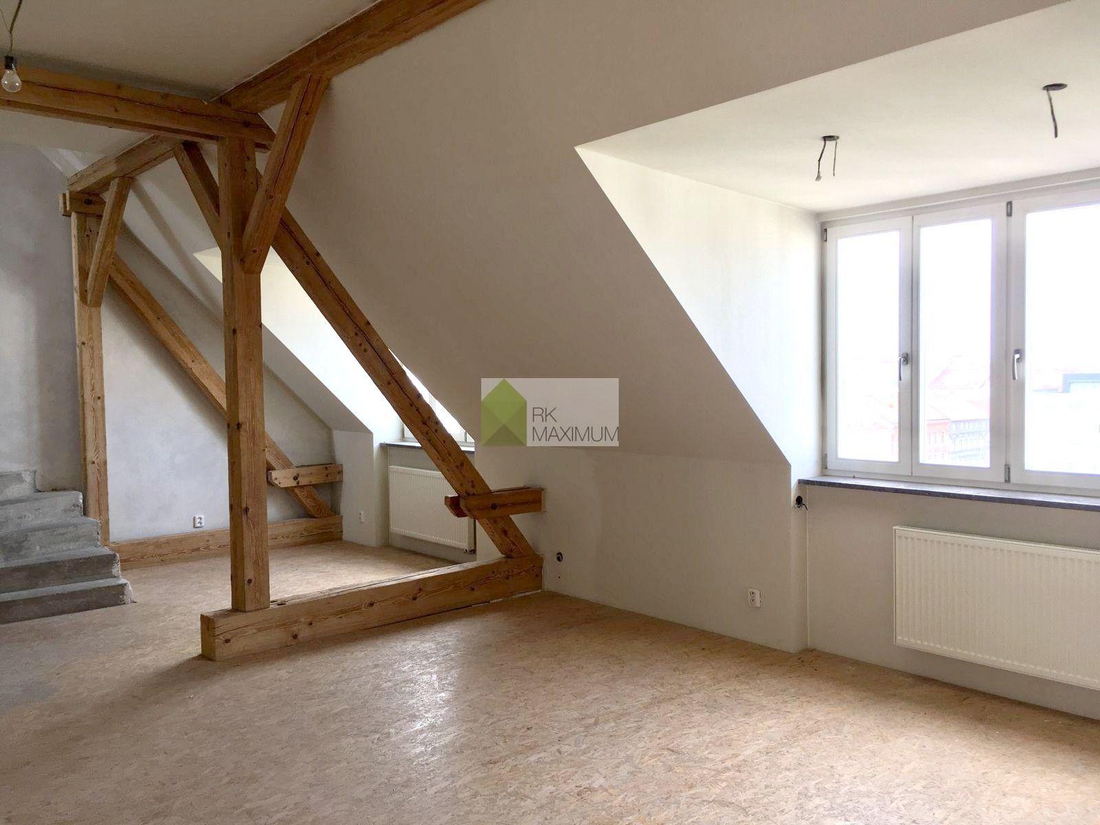 Byt 5+1 před dokončením,  226 m2 + terasa 18 m2 + sklep 7 m2