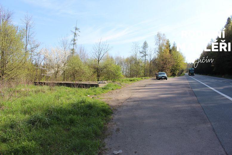 Pozemek u frekventované silnice ke komerčním účelům, Žipotín