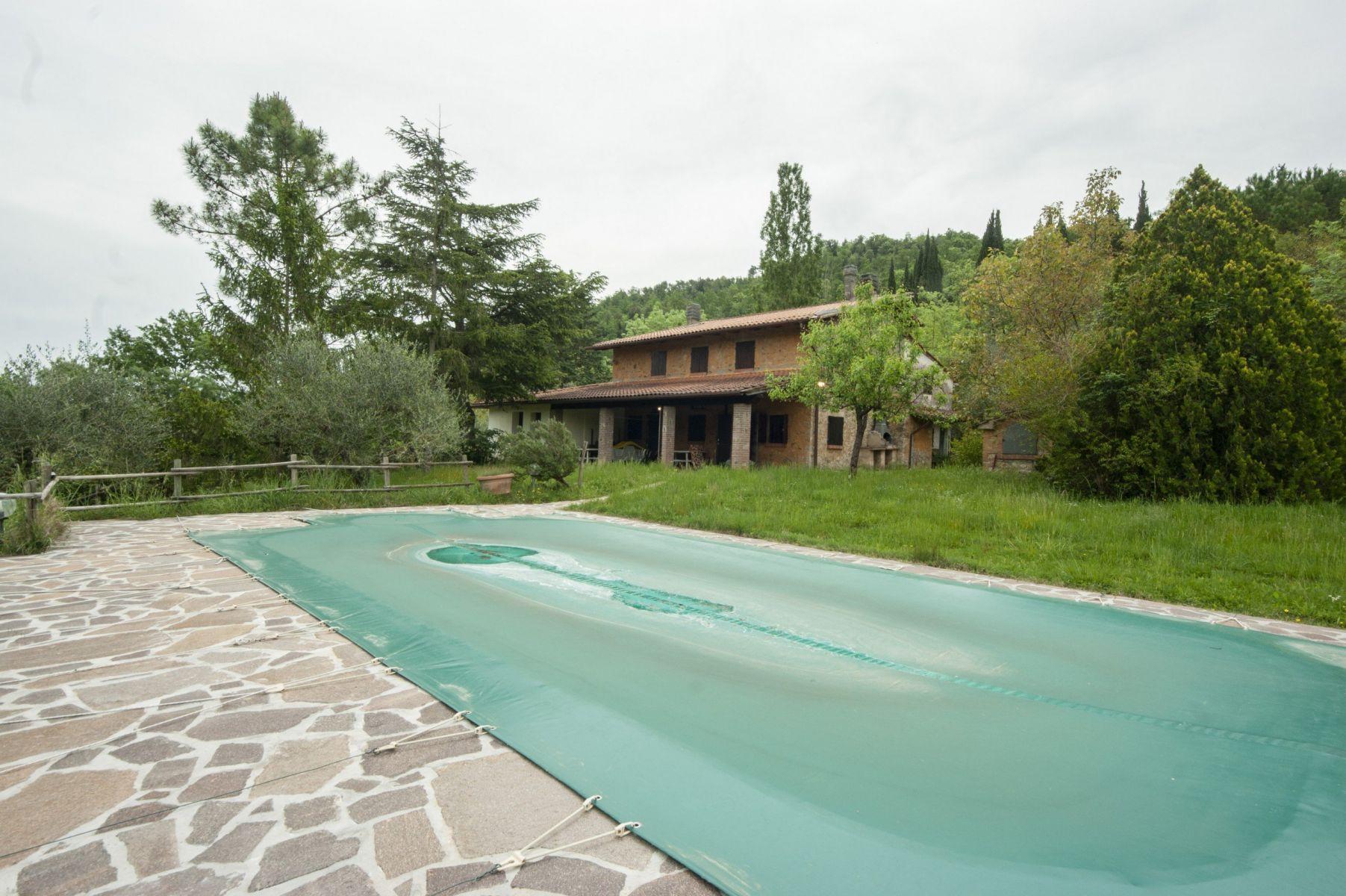 Dům na prodej, 230 m2, vesnice Chianni, Itálie