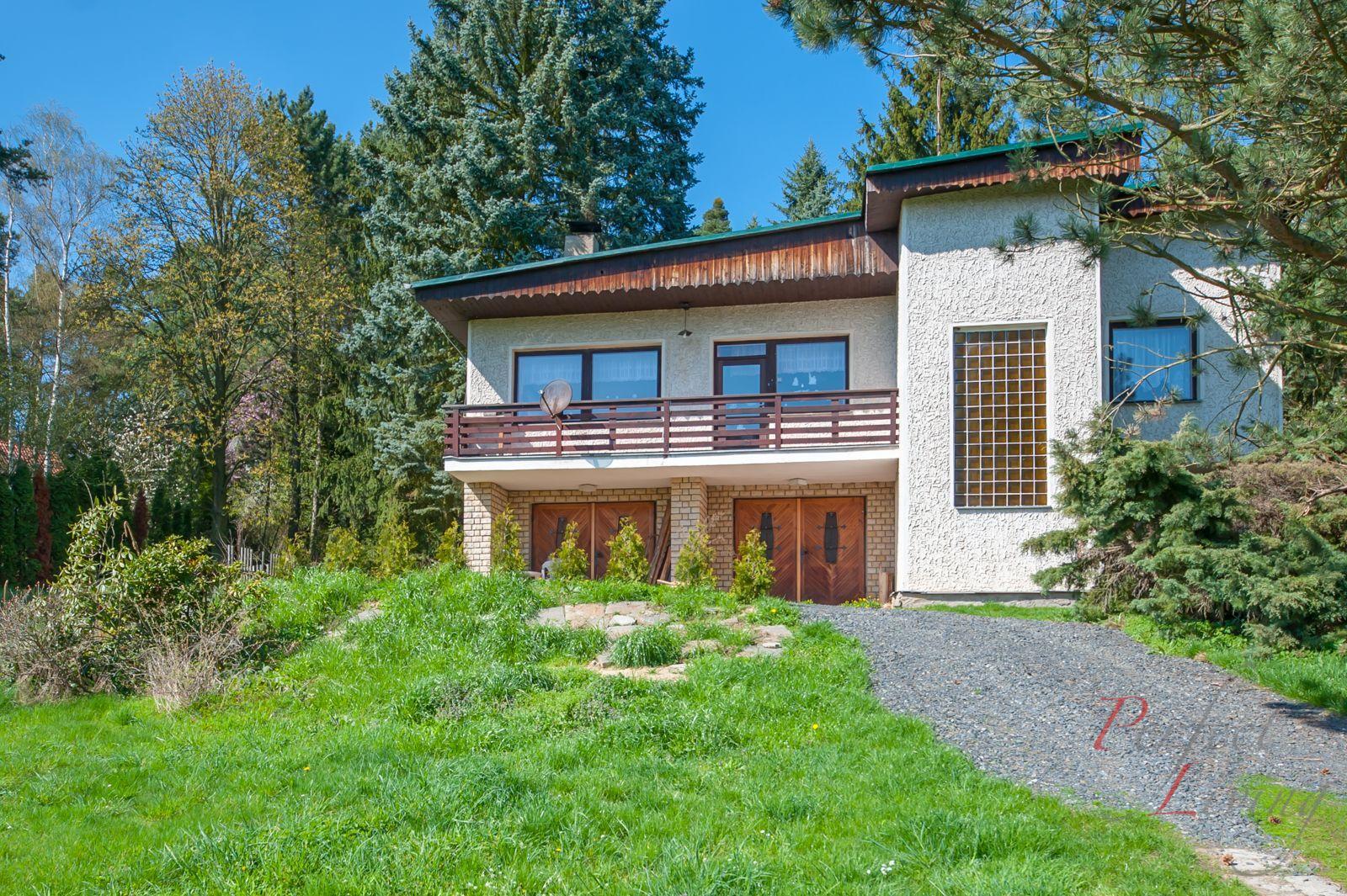 prodej rodinného domu 5+1/B/2xG na atraktivním pozemku 2.901 m2, Čtyřkoly