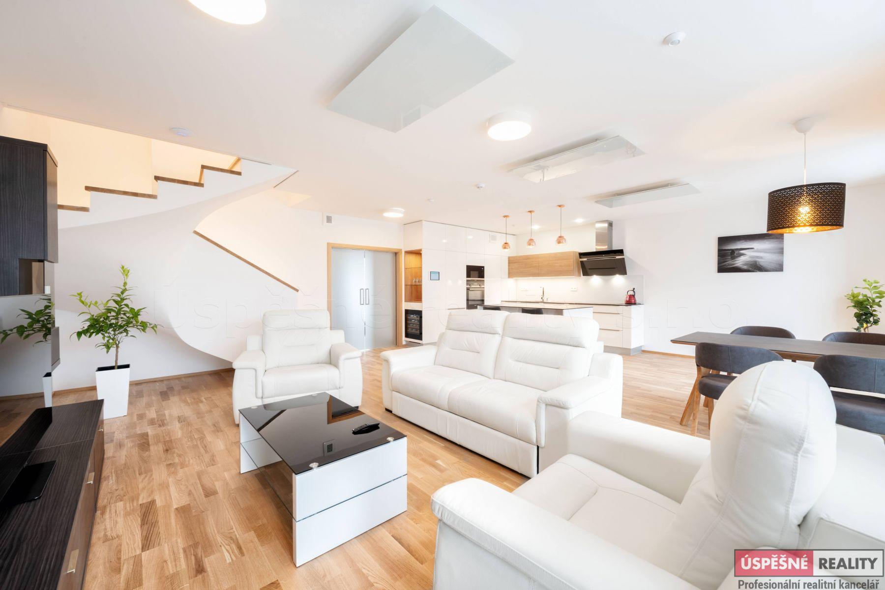 Prodej inteligentních rodinných domů projekt Slunečná alej