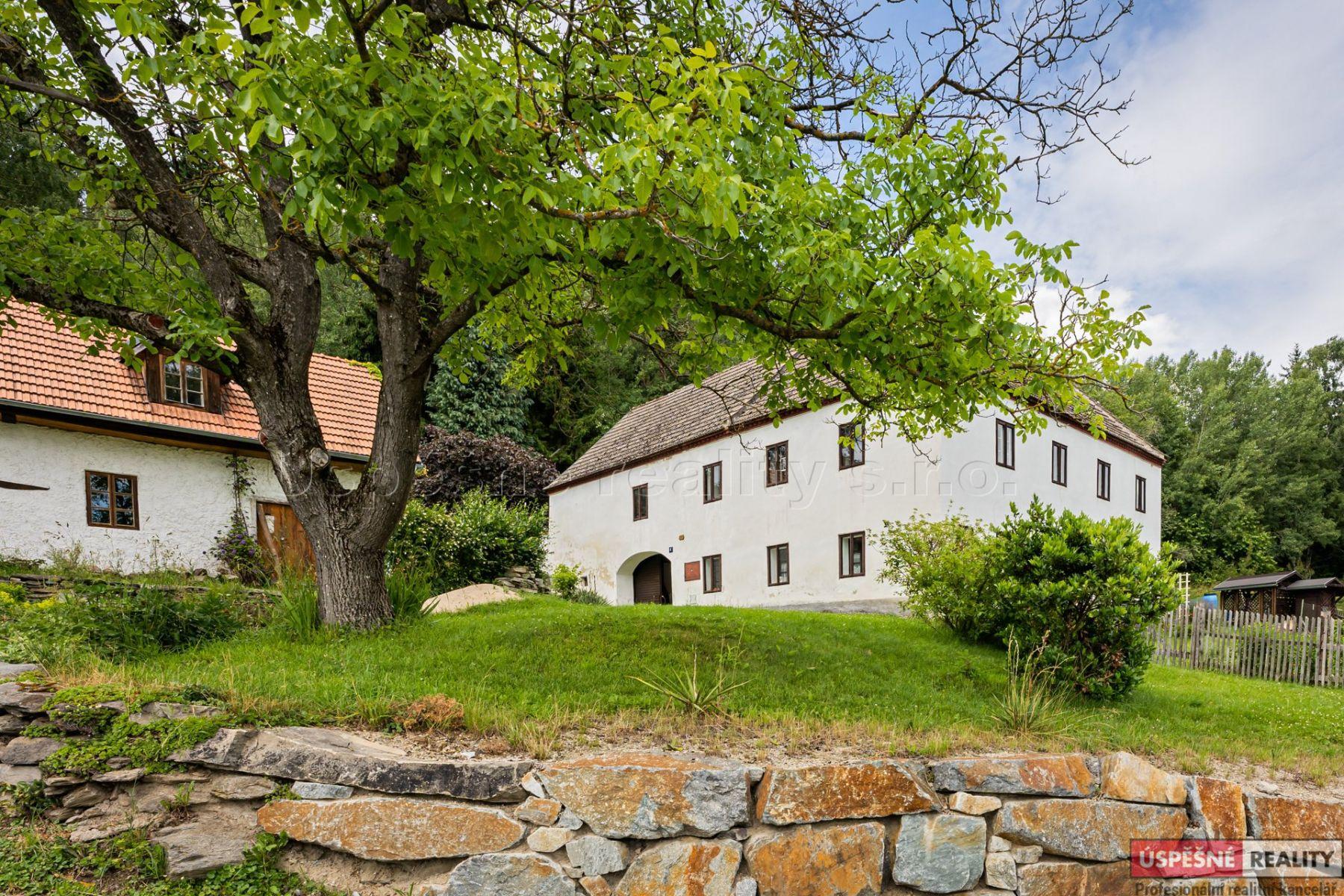 Prodej venkovské usedlosti 311 m2, pozemek 930 m2