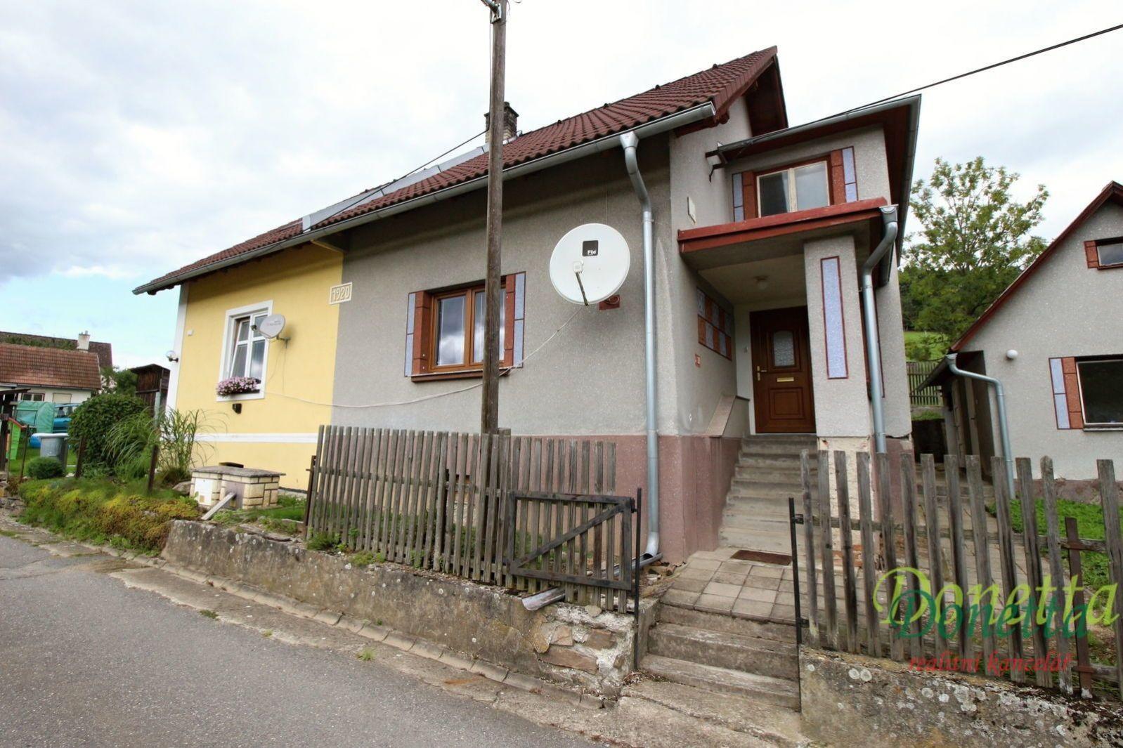 Prodej RD 3+kk s vedlejšími stavbami, pozemek 334 m2, klidné místo v obci Unčín,okr. Žďár n. Sázavou